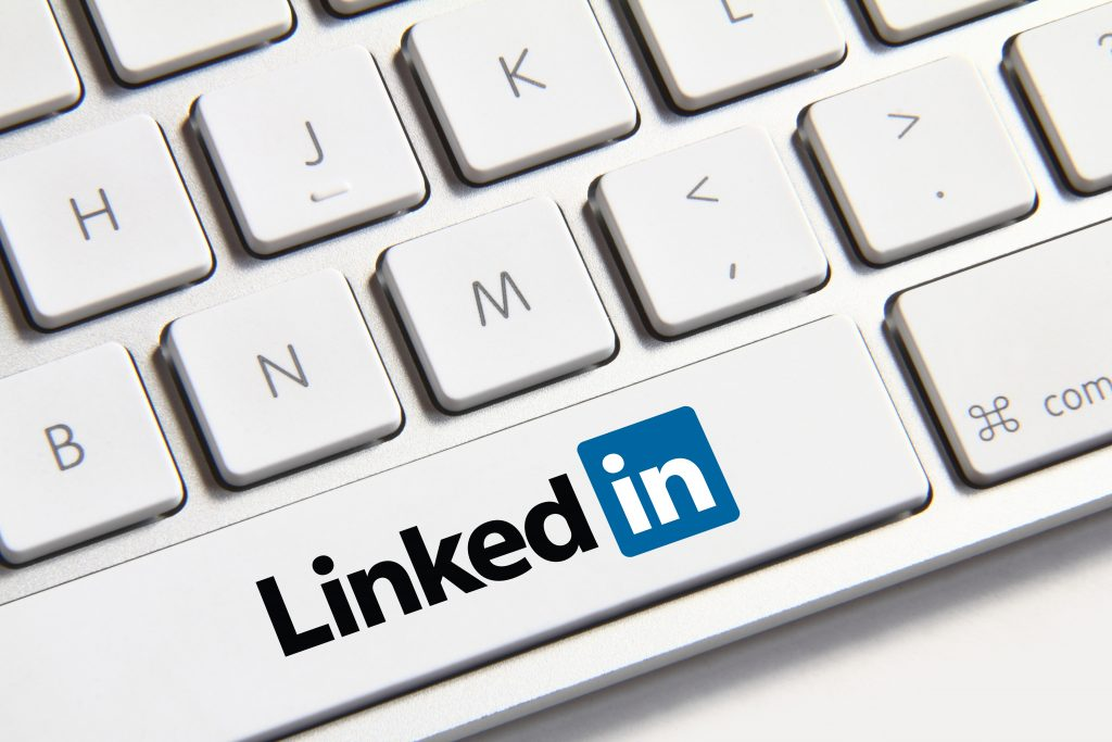 ", Should You ""Connect"" on LinkedIn?, Fast Marketing Minute, Fast Marketing Minute"