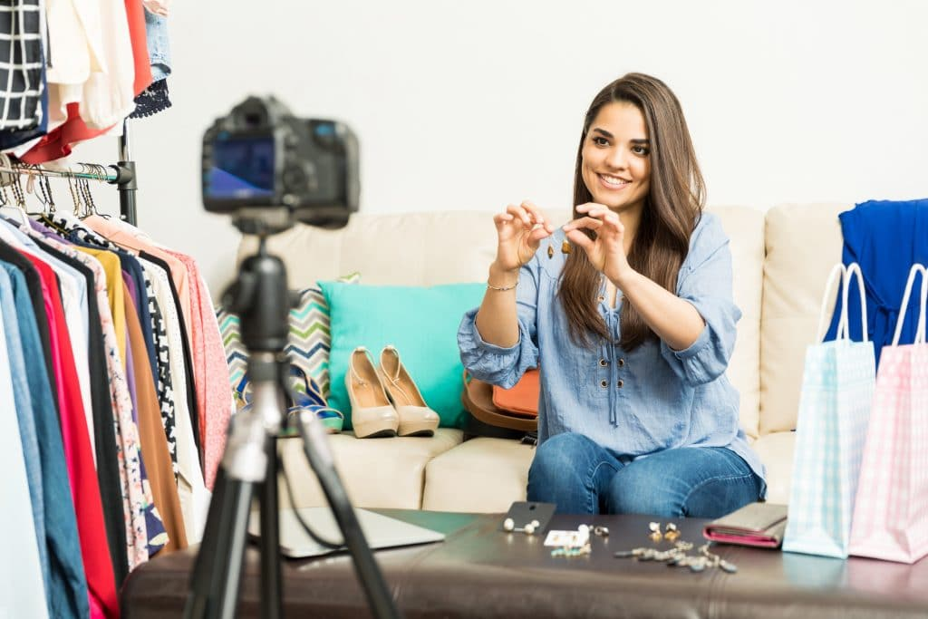 , 5 Product Video Ideas that Make Customers Happy, Fast Marketing Minute, Fast Marketing Minute