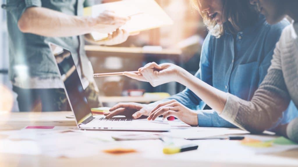 , 5 Ways to Build a Virtual Marketing Team, Fast Marketing Minute